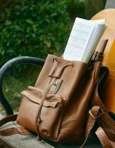 mochila de cuero mujer01